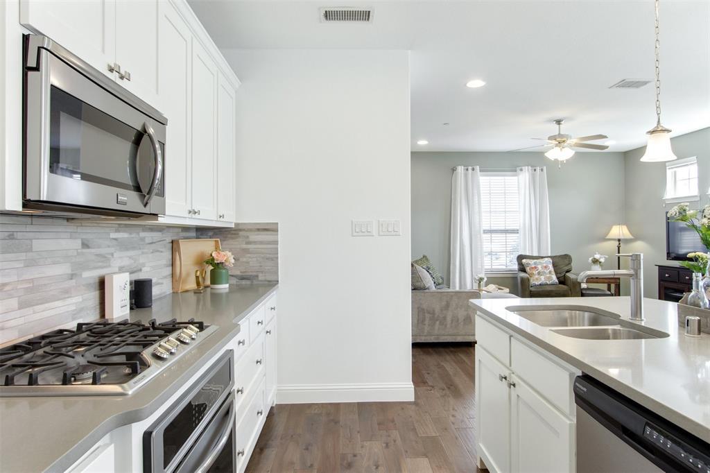 4670 Rhett Lane, Carrollton, Texas 75010 - acquisto real estate best real estate company in frisco texas real estate showings