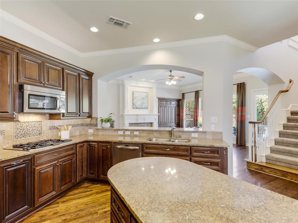 5358 Moss Glen Drive, Frisco, Texas 75034 - acquisto real estate best photos for luxury listings amy gasperini quick sale real estate