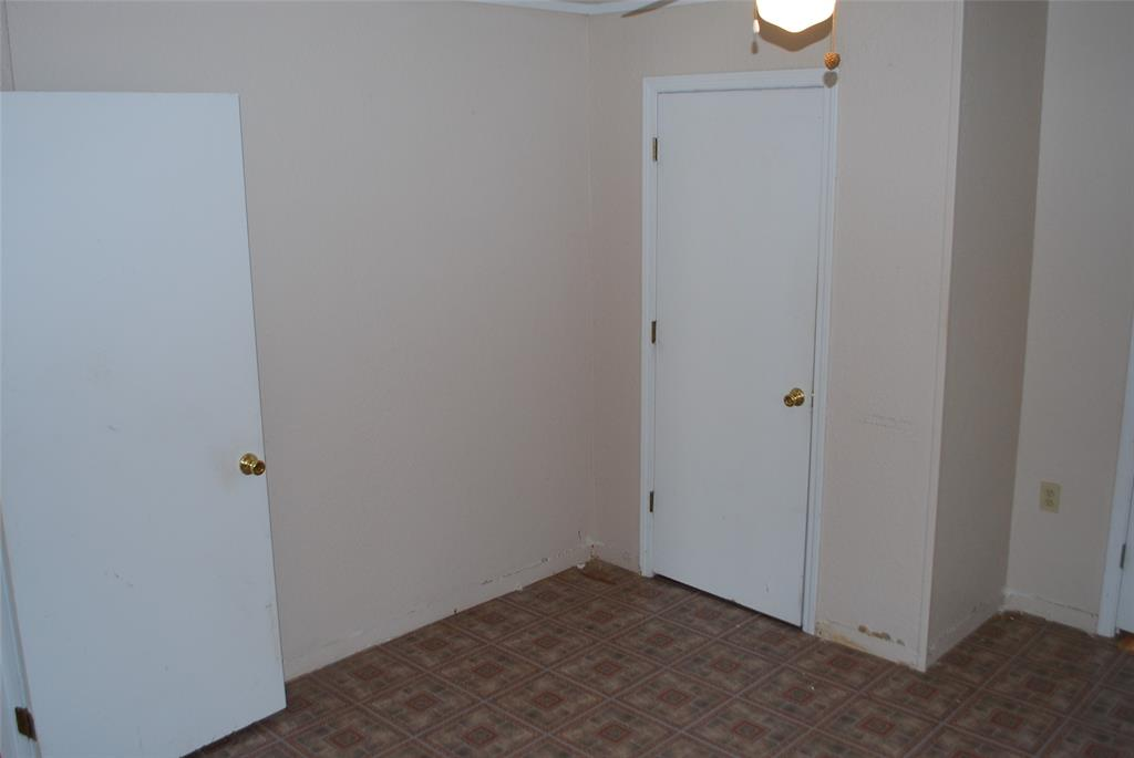 202 McFall Street, Whitesboro, Texas 76273 - acquisto real estate best listing photos hannah ewing mckinney real estate expert