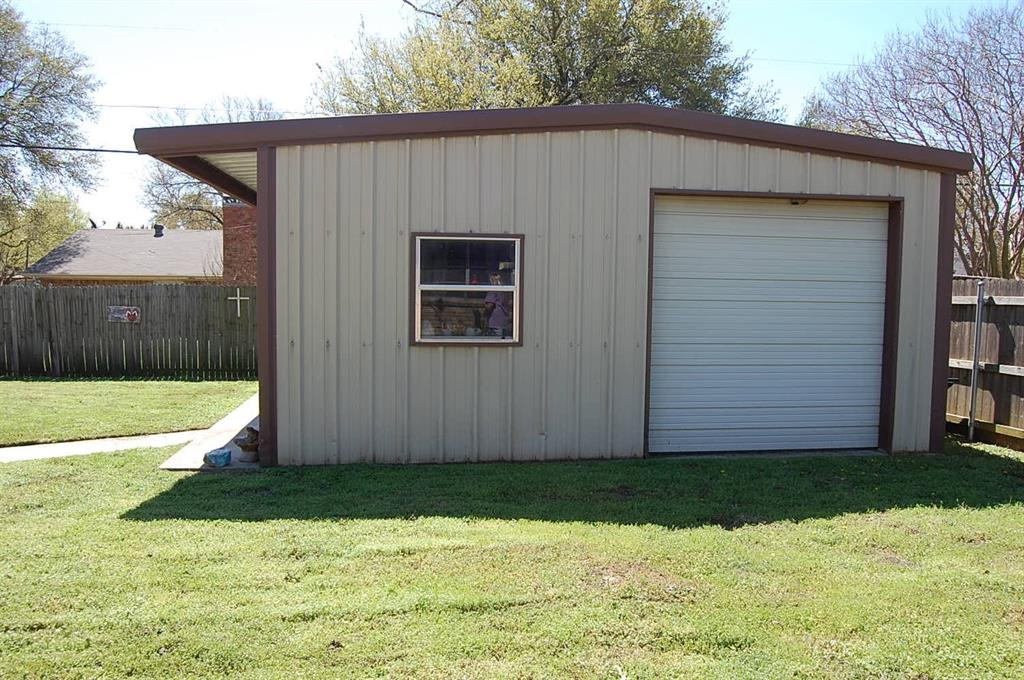 1211 Cindy Lane, Cleburne, Texas 76033 - acquisto real estate best realtor dallas texas linda miller agent for cultural buyers