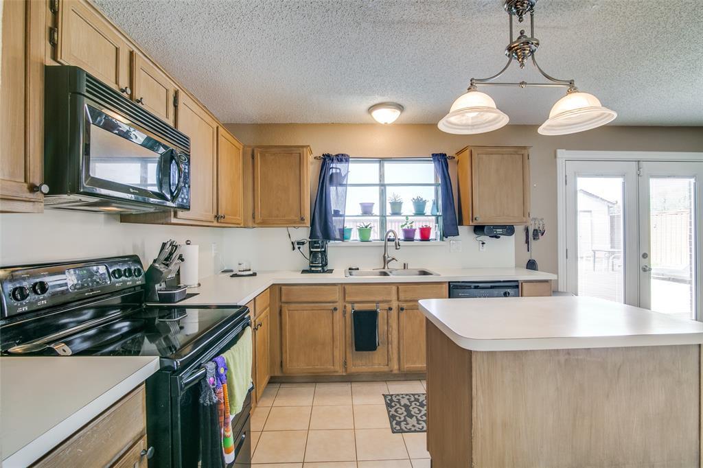 6109 Iris Drive, Rowlett, Texas 75089 - acquisto real estate best photos for luxury listings amy gasperini quick sale real estate
