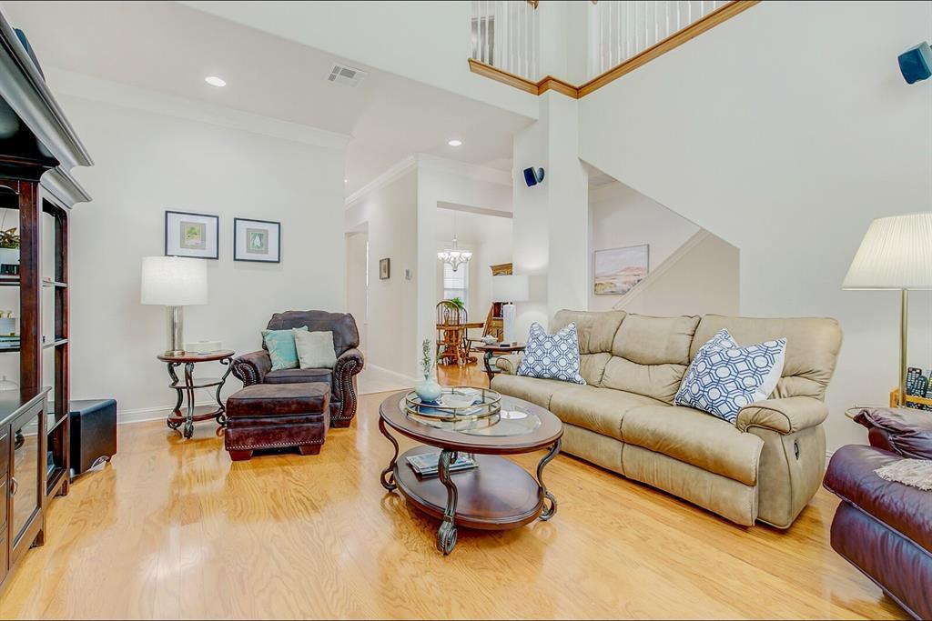 5800 La Vista Drive, Dallas, Texas 75206 - acquisto real estate best real estate company to work for
