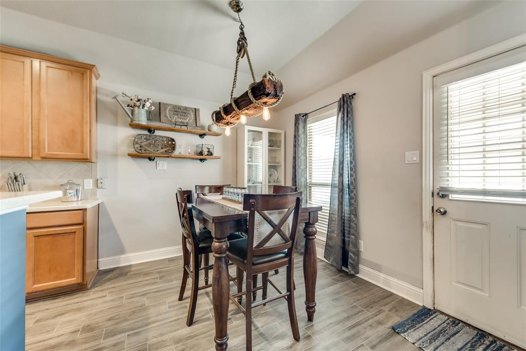 402 Champions Court, Crandall, Texas 75114 - acquisto real estate best real estate company to work for