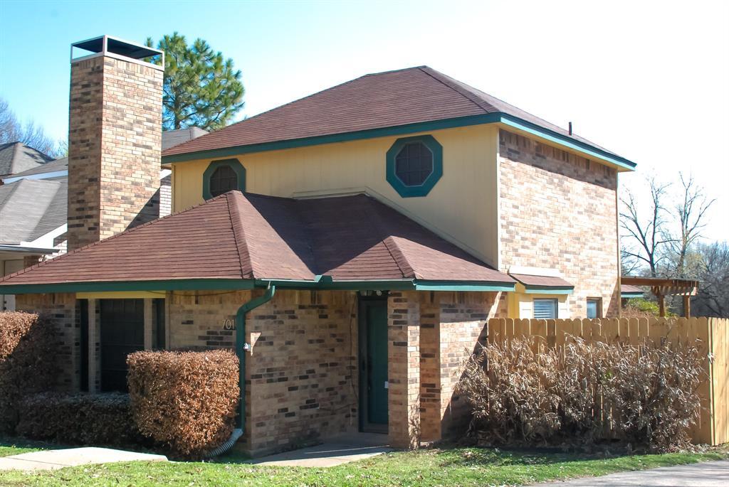 701 Burr Oak Drive, Lewisville, Texas 75067 - acquisto real estate best frisco real estate agent amy gasperini panther creek realtor