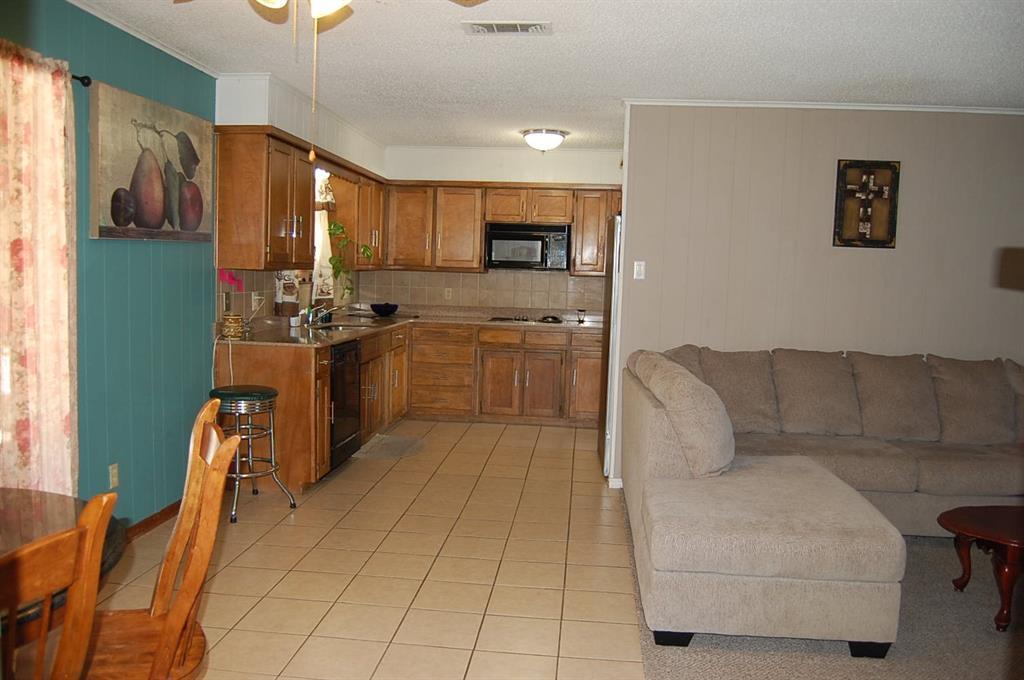 1211 Cindy Lane, Cleburne, Texas 76033 - acquisto real estate best prosper realtor susan cancemi windfarms realtor