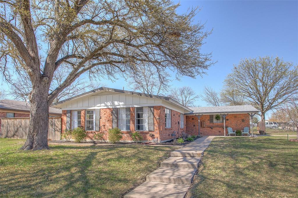 2700 Fuller Avenue, Fort Worth, Texas 76133 - Acquisto Real Estate best plano realtor mike Shepherd home owners association expert