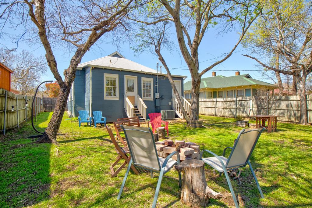 2507 Lipscomb  Street, Fort Worth, Texas 76110 - acquisto real estate best plano real estate agent mike shepherd