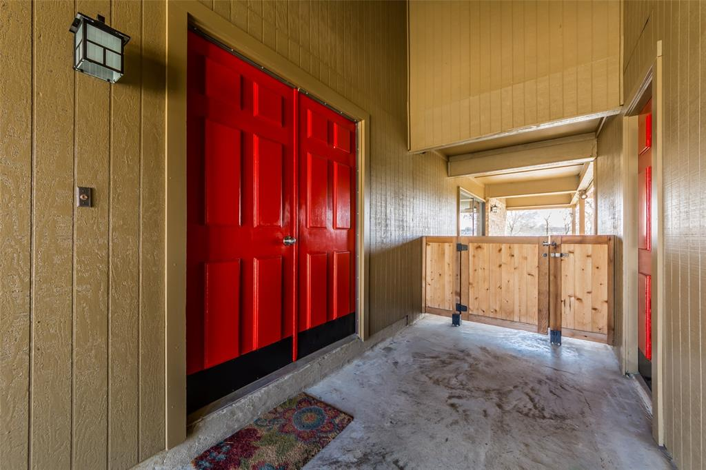 2412 Via Bonita  Carrollton, Texas 75006 - acquisto real estate best luxury home specialist shana acquisto