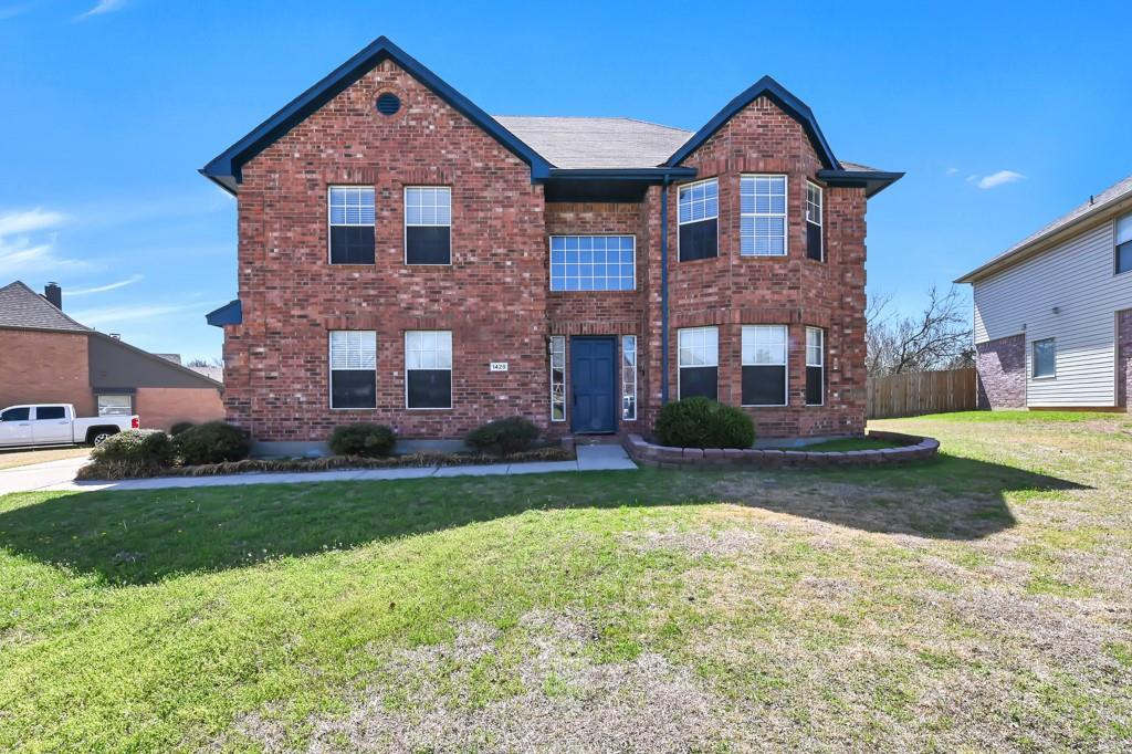 1428 Creekview Lane, Sherman, Texas 75092 - Acquisto Real Estate best plano realtor mike Shepherd home owners association expert