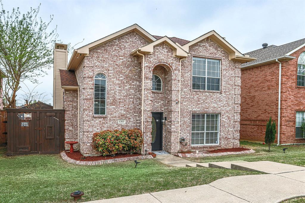 1305 Dallshan Drive, Carrollton, Texas 75007 - acquisto real estate best allen realtor kim miller hunters creek expert