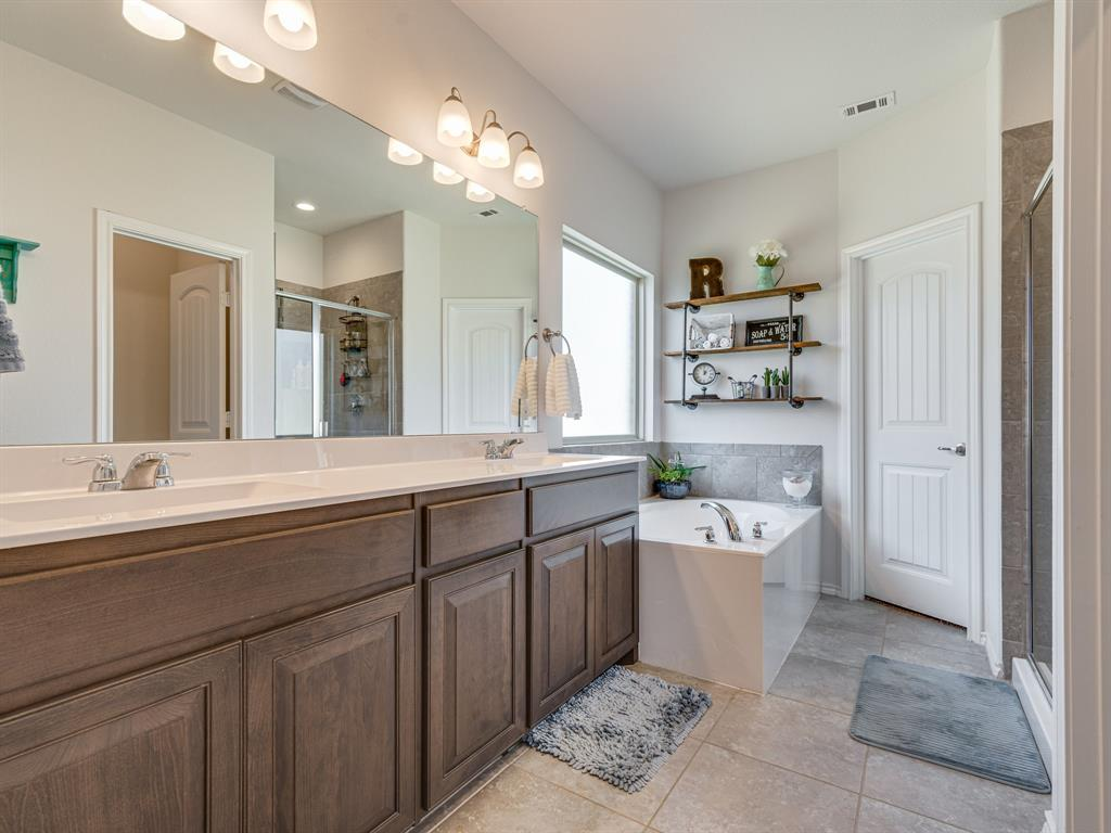 1725 Cross Creek Lane, Cleburne, Texas 76033 - acquisto real estate best frisco real estate agent amy gasperini panther creek realtor