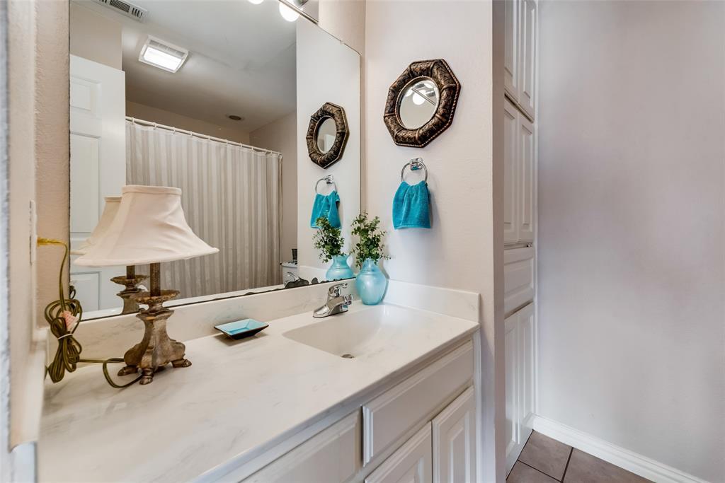1506 Canterbury Court, Grand Prairie, Texas 75050 - acquisto real estate best realtor dfw jody daley liberty high school realtor