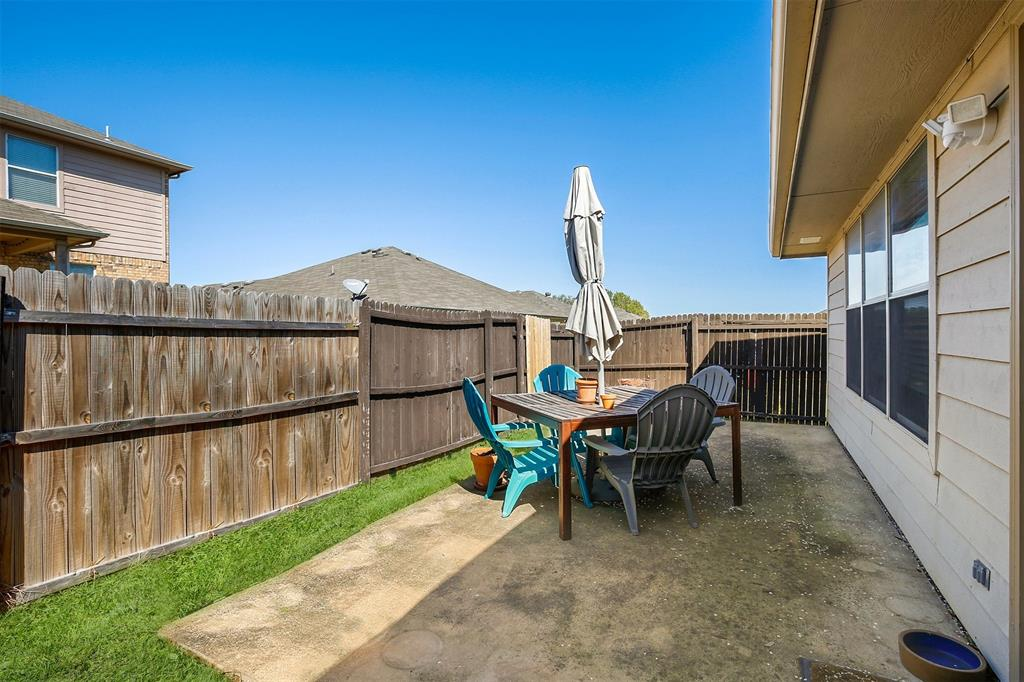 3721 Verde Drive, Fort Worth, Texas 76244 - acquisto real estate best frisco real estate agent amy gasperini panther creek realtor