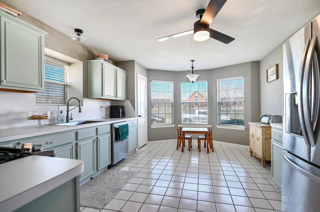 1428 Creekview Lane, Sherman, Texas 75092 - acquisto real estate best the colony realtor linda miller the bridges real estate