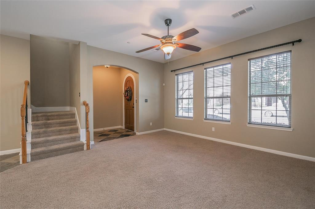 8616 Augustine Road, Irving, Texas 75063 - acquisto real estate best real estate company to work for