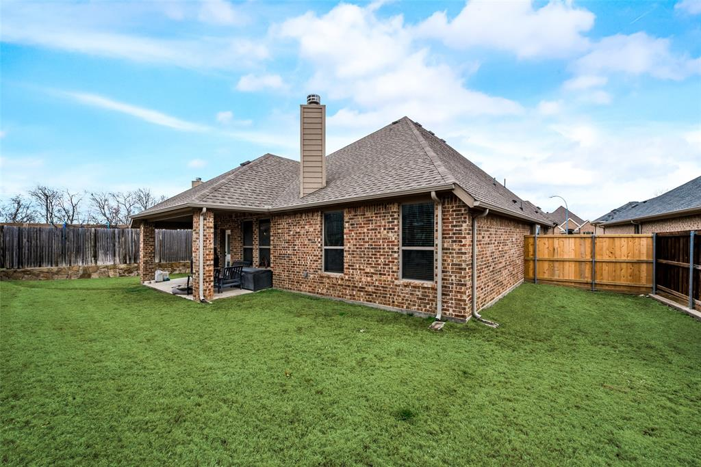 9704 Mullins Crossing Drive, Fort Worth, Texas 76126 - acquisto real estate best park cities realtor kim miller best staging agent