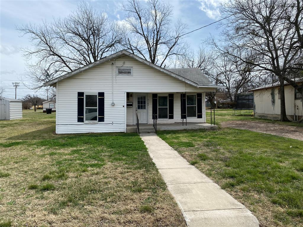 2102 Avenue B Brownwood, Texas 76801 - Acquisto Real Estate best plano realtor mike Shepherd home owners association expert