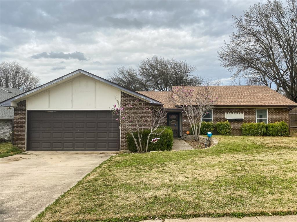 2105 Yewpon Court, Carrollton, Texas 75007 - Acquisto Real Estate best plano realtor mike Shepherd home owners association expert