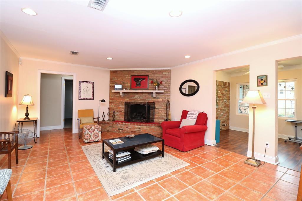 3406 Lynnwood Court, Arlington, Texas 76013 - acquisto real estate best celina realtor logan lawrence best dressed realtor