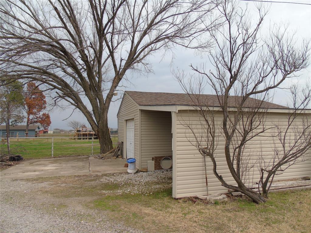 768 Sadler Road, Whitesboro, Texas 76273 - acquisto real estate best celina realtor logan lawrence best dressed realtor