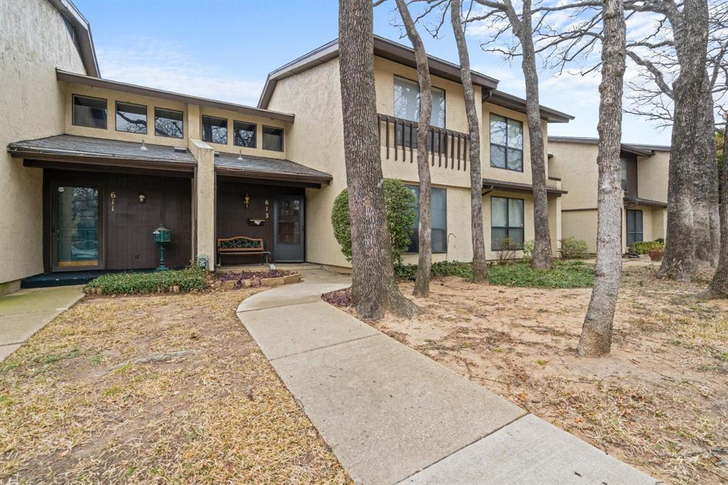 613 Campana Court, Irving, Texas 75061 - Acquisto Real Estate best plano realtor mike Shepherd home owners association expert
