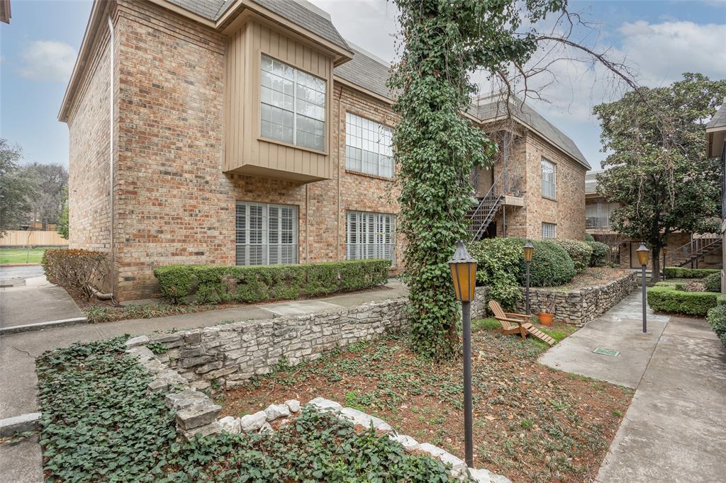 4343 Bellaire Drive, Fort Worth, Texas 76109 - acquisto real estate best allen realtor kim miller hunters creek expert