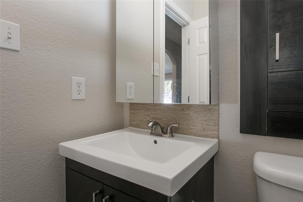 4705 Calmont Avenue, Fort Worth, Texas 76107 - acquisto real estate best listing agent in the nation shana acquisto estate realtor