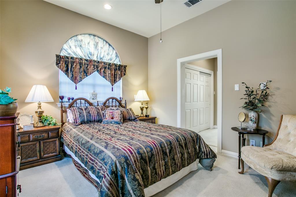 700 Cedar Elm Court, Irving, Texas 75063 - acquisto real estate best realtor foreclosure real estate mike shepeherd walnut grove realtor