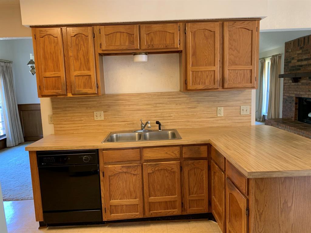 712 Whistler Drive, Arlington, Texas 76006 - acquisto real estate best highland park realtor amy gasperini fast real estate service