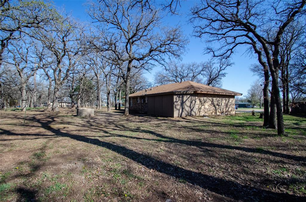 106 Fiesta Court, Chico, Texas 76431 - acquisto real estate best listing photos hannah ewing mckinney real estate expert