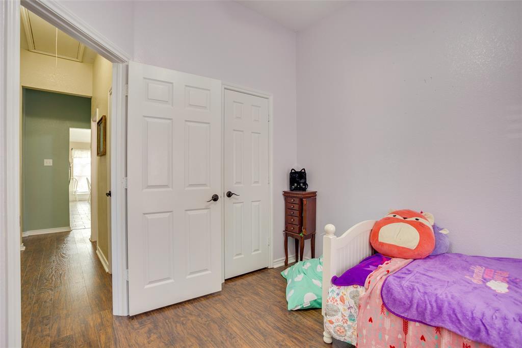 1341 Spinnaker Lane, Azle, Texas 76020 - acquisto real estate best realtor foreclosure real estate mike shepeherd walnut grove realtor