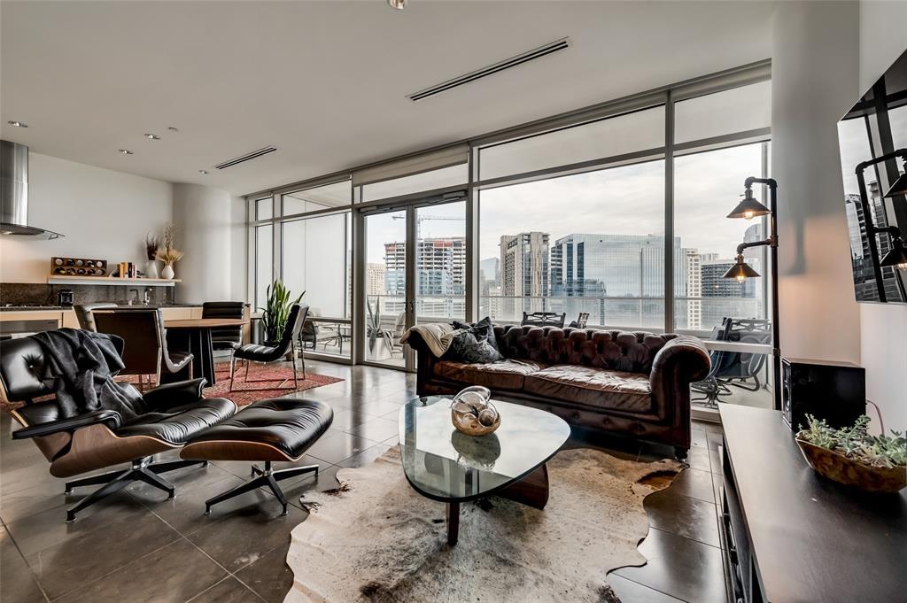 2430 Victory Park Lane, Dallas, Texas 75219 - acquisto real estate best allen realtor kim miller hunters creek expert