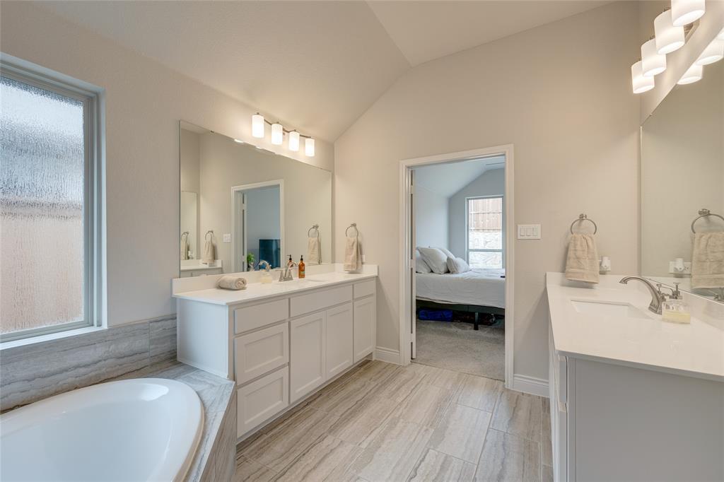 5609 Pradera  Road, Fort Worth, Texas 76126 - acquisto real estate best negotiating realtor linda miller declutter realtor