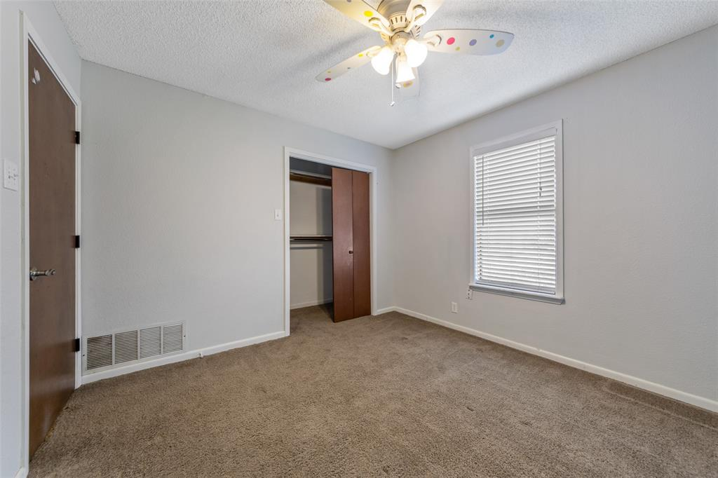 156 Cross Creek Lane, Denison, Texas 75021 - acquisto real estate best real estate company to work for