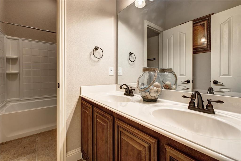 5820 Park View  Drive, Midlothian, Texas 76065 - acquisto real estate best real estate company to work for