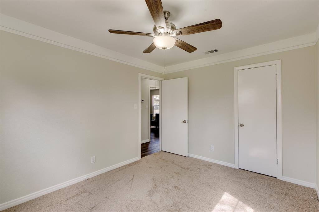 27 Donald Court, Hurst, Texas 76053 - acquisto real estate best frisco real estate broker in texas for high net worth buyers