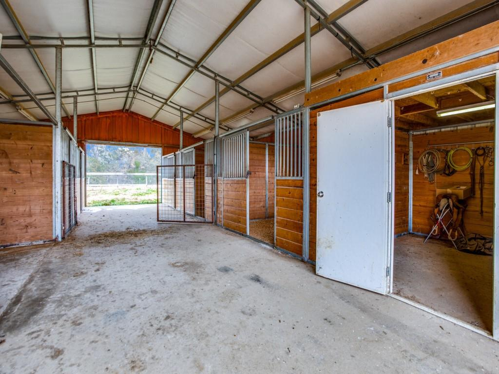 1690 Davy Lane, Denison, Texas 75020 - acquisto real estaet best boutique real estate firm in texas for high net worth sellers
