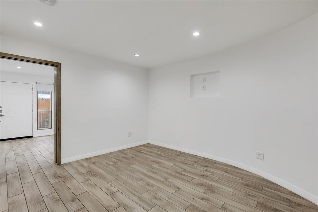 4130 Newton  Avenue, Dallas, Texas 75219 - acquisto real estate best new home sales realtor linda miller executor real estate