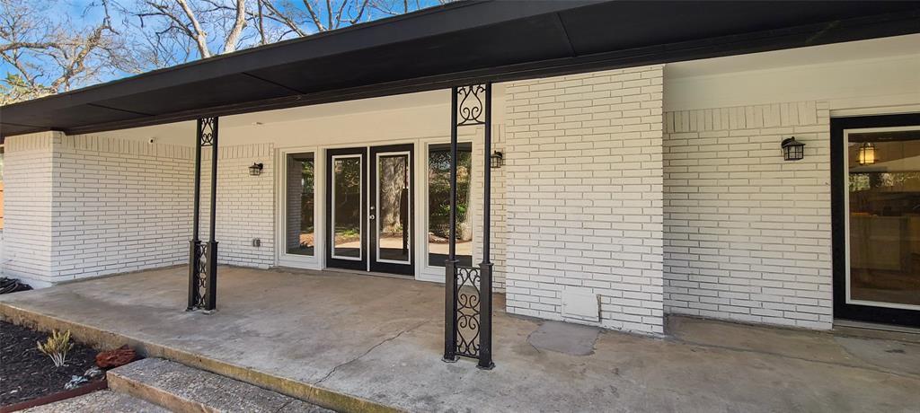 811 Red Bird Lane, Dallas, Texas 75232 - acquisto real estate best negotiating realtor linda miller declutter realtor