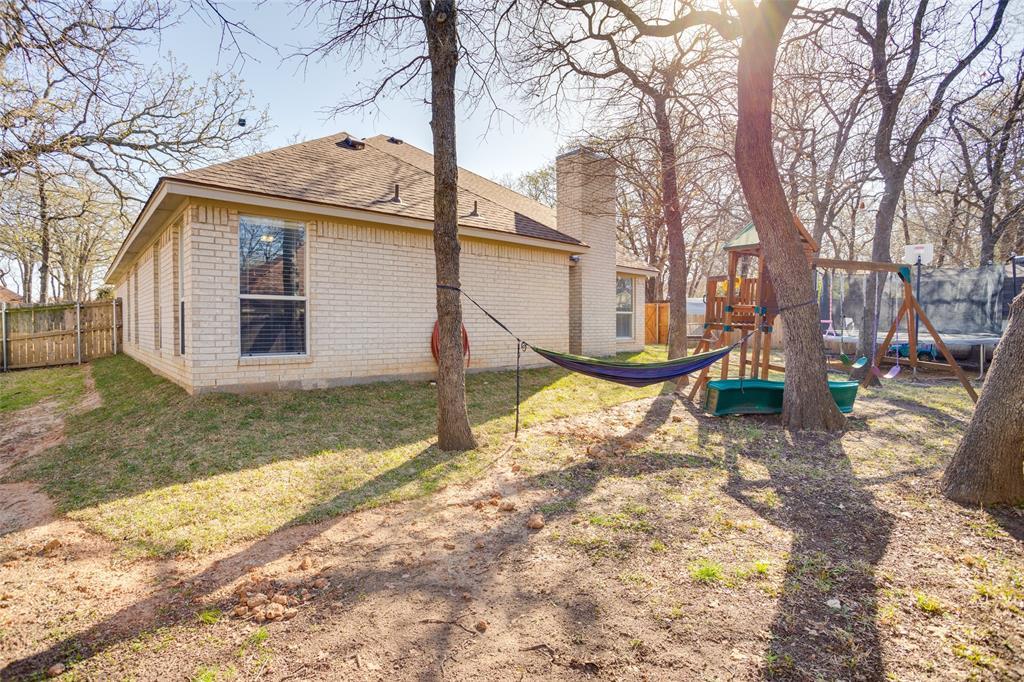 1341 Spinnaker Lane, Azle, Texas 76020 - acquisto real estate best plano real estate agent mike shepherd