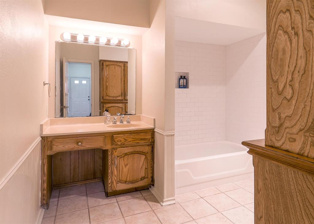 1910 Etain Road, Irving, Texas 75060 - acquisto real estate best real estate company in frisco texas real estate showings