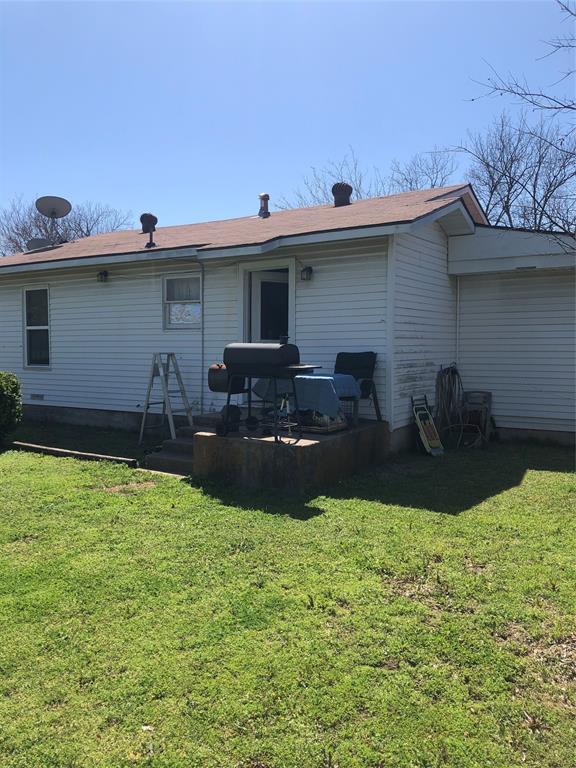 1218 Douglas  Avenue, Cleburne, Texas 76033 - acquisto real estate best allen realtor kim miller hunters creek expert