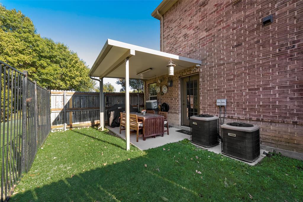 121 Barrington Lane, Lewisville, Texas 75067 - acquisto real estate best frisco real estate agent amy gasperini panther creek realtor