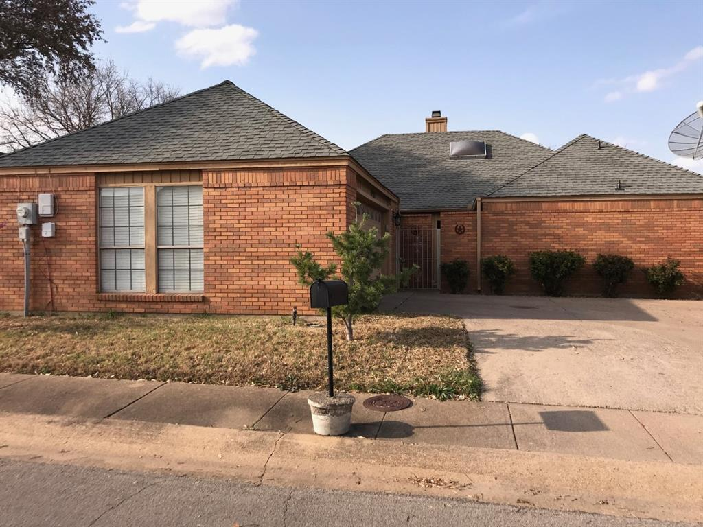 6903 Sammy Circle, Dallas, Texas 75237 - Acquisto Real Estate best plano realtor mike Shepherd home owners association expert