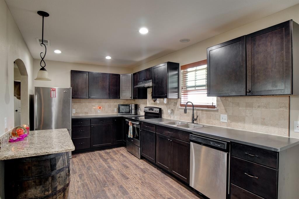 100 Mccrae  Lane, Boyd, Texas 76023 - acquisto real estate best real estate company in frisco texas real estate showings