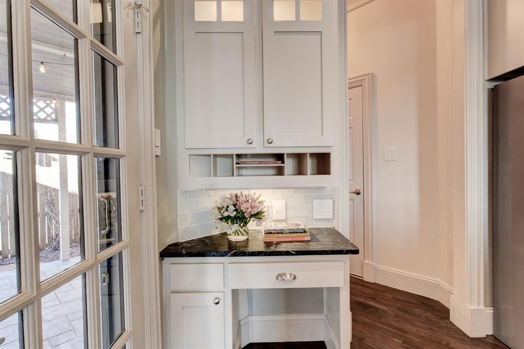 4700 Village Oak Drive, Arlington, Texas 76017 - acquisto real estate best photos for luxury listings amy gasperini quick sale real estate