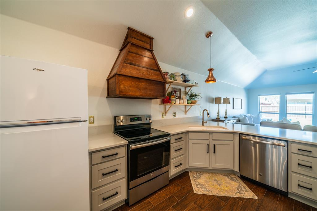 1643 Hillside  Drive, Waxahachie, Texas 75165 - acquisto real estate best highland park realtor amy gasperini fast real estate service
