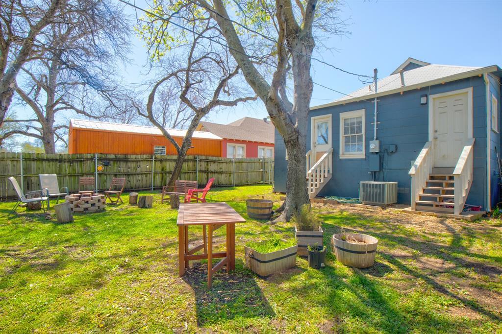 2507 Lipscomb  Street, Fort Worth, Texas 76110 - acquisto real estate smartest realtor in america shana acquisto