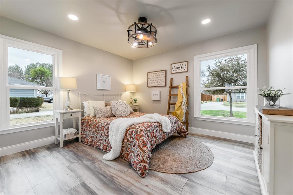 1209 Pine Street, Grapevine, Texas 76051 - acquisto real estate mvp award real estate logan lawrence