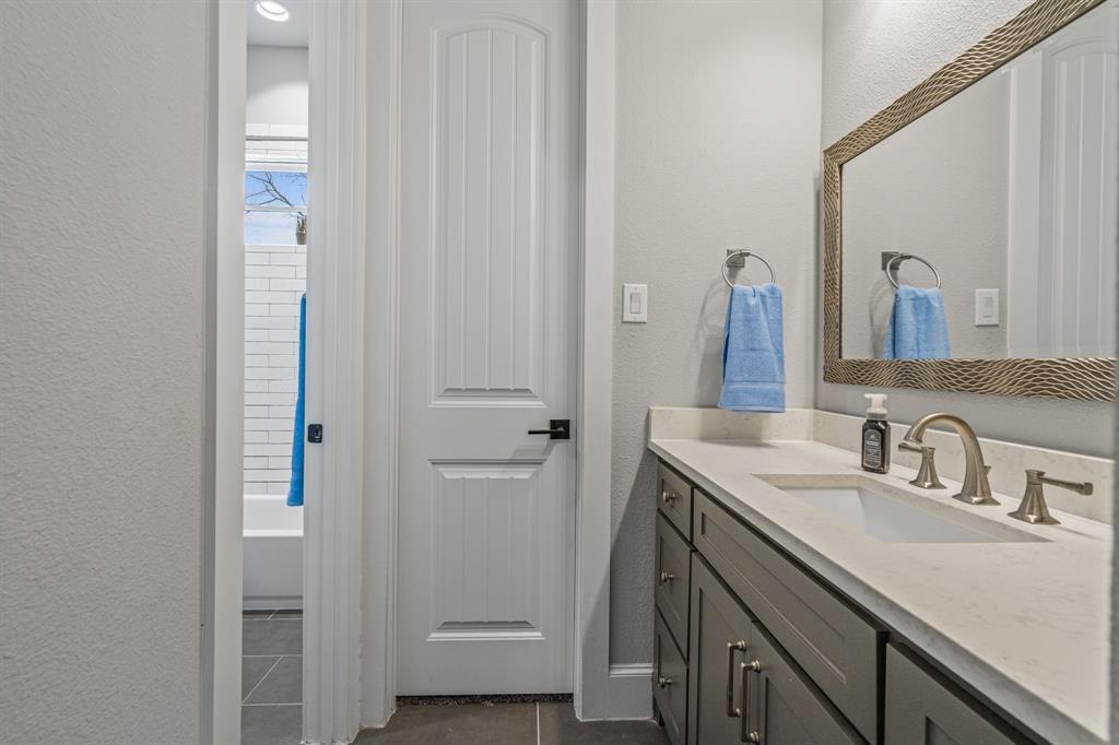 4482 Lake Breeze Drive, McKinney, Texas 75071 - acquisto real estate best realtor dfw jody daley liberty high school realtor